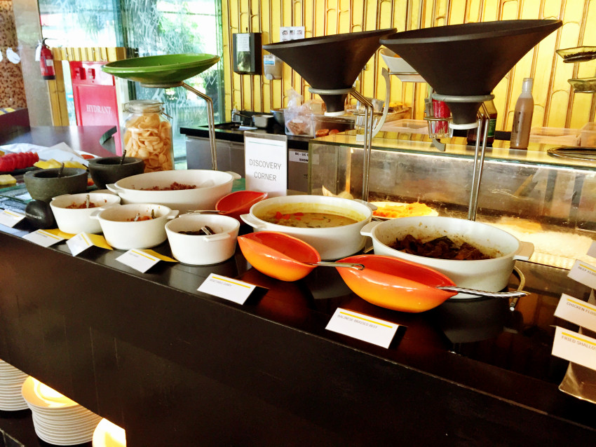 Discovery Corner serving local Indonesian cuisine at the buffet breakfast at the Le Meridien Bali Jimbaran