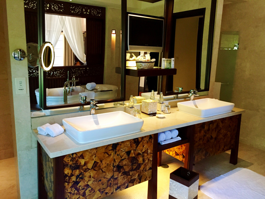 The bathroom of the one bedroom St Regis Lagoon Villa at the St Regis Bali Nusa Dua